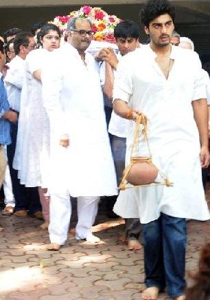 Mona Kapoor's funeral